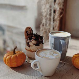 pumpkin spice latte receptje - gourmetanddeicious.hu